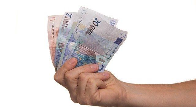 ¿Se pueden descontar gastos de la cuota comunitaria?